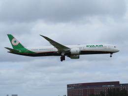 hirohirokinさんが、成田国際空港で撮影したエバー航空 787-10の航空フォト(飛行機 写真・画像)