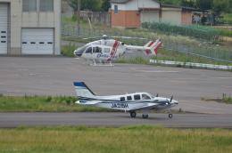 OZISANさんが、高松空港で撮影した学校法人ヒラタ学園 航空事業本部 G58 Baronの航空フォト(飛行機 写真・画像)