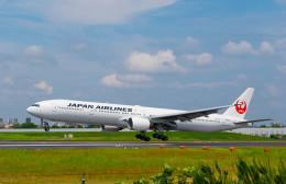 Astechnoさんが、伊丹空港で撮影した日本航空 777-346の航空フォト(飛行機 写真・画像)