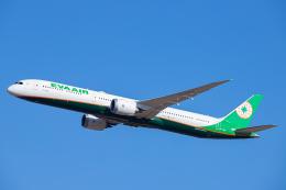 SGR RT 改さんが、成田国際空港で撮影したエバー航空 787-10の航空フォト(飛行機 写真・画像)