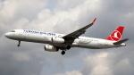 誘喜さんが、ロンドン・ヒースロー空港で撮影したターキッシュ・エアラインズ A321-231の航空フォト(飛行機 写真・画像)