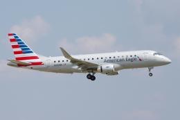 zettaishinさんが、ダラス・フォートワース国際空港で撮影したアメリカン・イーグル ERJ-170-200 LR (ERJ-175LR)の航空フォト(飛行機 写真・画像)