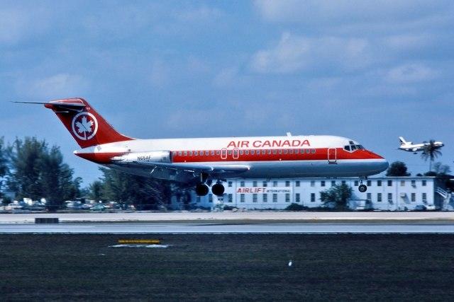 パール大山さんが、マイアミ国際空港で撮影したエア・フロリダ DC-9-15RCの航空フォト(飛行機 写真・画像)
