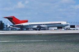 パール大山さんが、マイアミ国際空港で撮影したノースウエスト航空 727-251の航空フォト(飛行機 写真・画像)