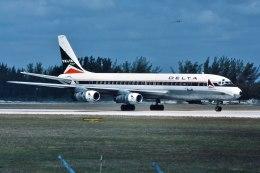 パール大山さんが、マイアミ国際空港で撮影したデルタ航空 DC-8-51の航空フォト(飛行機 写真・画像)