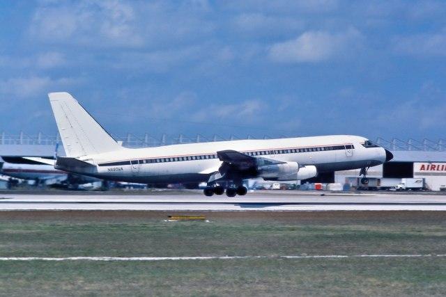 パール大山さんが、マイアミ国際空港で撮影したF & B Livestock 880(F) (22-1)の航空フォト(飛行機 写真・画像)