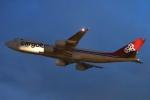 木人さんが、成田国際空港で撮影したカーゴルクス 747-8R7F/SCDの航空フォト(飛行機 写真・画像)