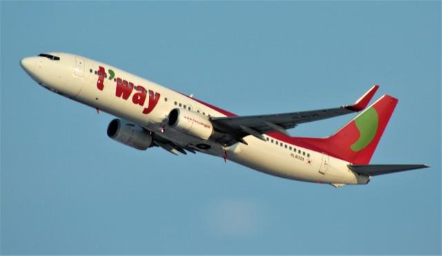 Rsaさんが、新千歳空港で撮影したティーウェイ航空 737-8Q8の航空フォト(飛行機 写真・画像)