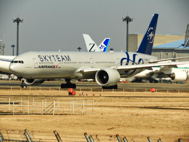 池さん@JA381Aさんが、成田国際空港で撮影したエールフランス航空 777-328/ERの航空フォト(飛行機 写真・画像)
