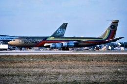 パール大山さんが、マイアミ国際空港で撮影したエクアトリアナ航空 707-321Cの航空フォト(飛行機 写真・画像)