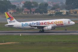 TIA spotterさんが、ノイバイ国際空港で撮影したバルカンホリデイズ A320-232の航空フォト(飛行機 写真・画像)