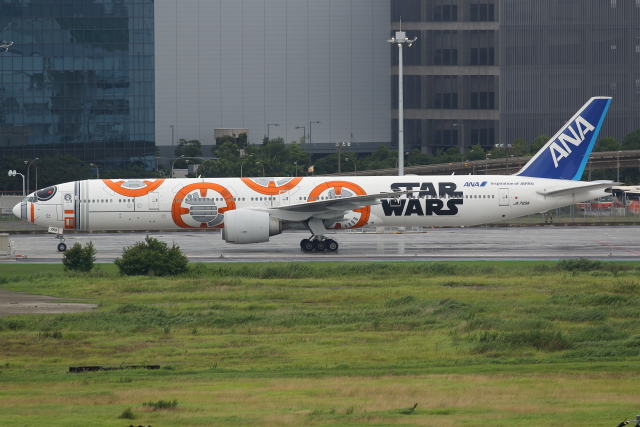 TIA spotterさんが、羽田空港で撮影した全日空 777-381/ERの航空フォト(飛行機 写真・画像)