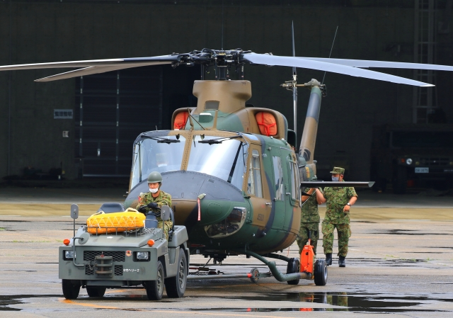 LOTUSさんが、八尾空港で撮影した防衛装備庁 Bell 412EPXの航空フォト(飛行機 写真・画像)
