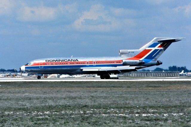 パール大山さんが、マイアミ国際空港で撮影したドミニカーナ 727-1J1の航空フォト(飛行機 写真・画像)
