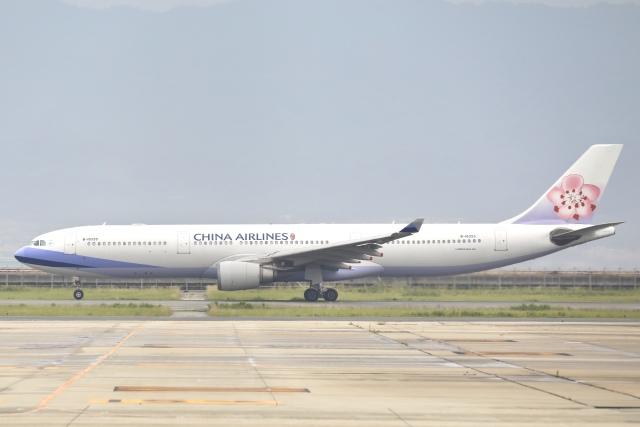 Hii82さんが、関西国際空港で撮影したチャイナエアライン A330-302の航空フォト(飛行機 写真・画像)