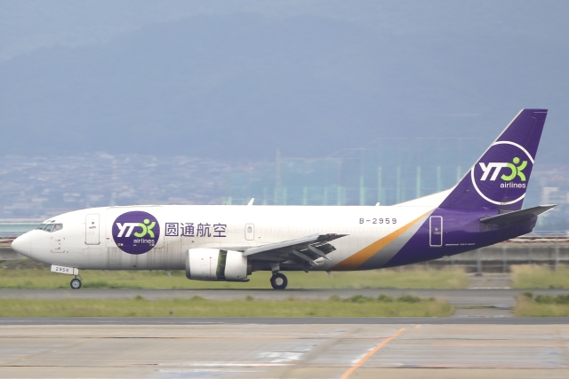 Hii82さんが、関西国際空港で撮影したYTOカーゴ・エアラインズ 737-31B(SF)の航空フォト(飛行機 写真・画像)