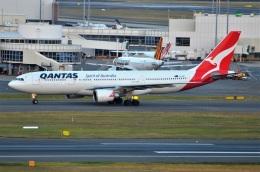amagoさんが、シドニー国際空港で撮影したカンタス航空 A330-202の航空フォト(飛行機 写真・画像)