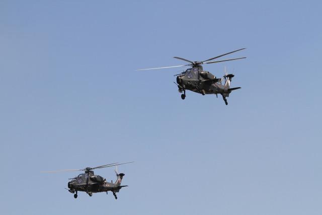 素快戦士さんが、TJHPで撮影した某国陸軍 風神飛行隊 WZ-10の航空フォト(飛行機 写真・画像)