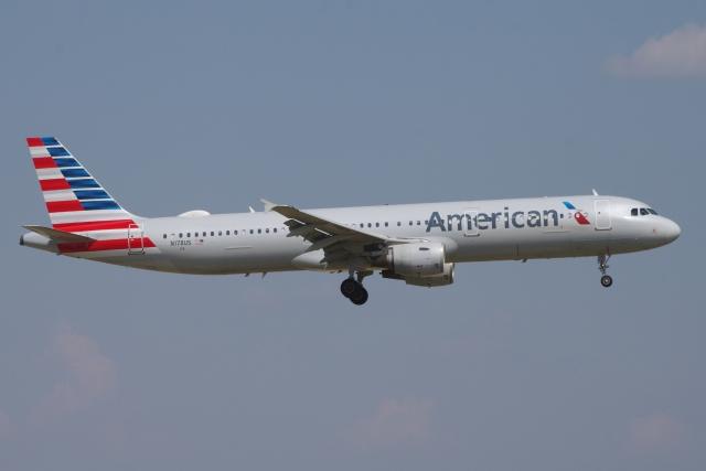 zettaishinさんが、ダラス・フォートワース国際空港で撮影したアメリカン航空 A321-211の航空フォト(飛行機 写真・画像)