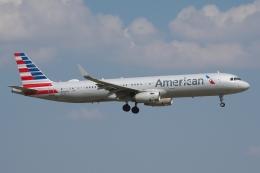 zettaishinさんが、ダラス・フォートワース国際空港で撮影したアメリカン航空 A321-231の航空フォト(飛行機 写真・画像)