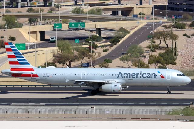 キャスバルさんが、フェニックス・スカイハーバー国際空港で撮影したアメリカン航空 A321-231の航空フォト(飛行機 写真・画像)