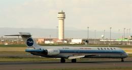 にしやんさんが、新千歳空港で撮影した中国北方航空 MD-90-30の航空フォト(飛行機 写真・画像)
