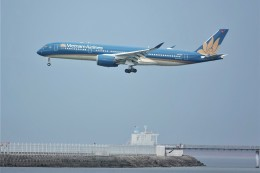 jutenLCFさんが、中部国際空港で撮影したベトナム航空 A350-941の航空フォト(飛行機 写真・画像)