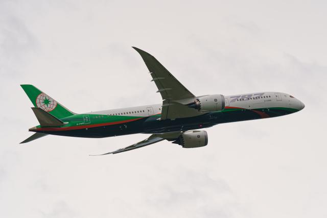 GOOSEMAN777さんが、成田国際空港で撮影したエバー航空 787-9の航空フォト(飛行機 写真・画像)