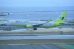 kumagorouさんが、那覇空港で撮影したジンエアー 737-8SHの航空フォト(飛行機 写真・画像)
