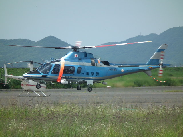 ヒコーキグモさんが、岡南飛行場で撮影した三重県警察 A109E Powerの航空フォト(飛行機 写真・画像)