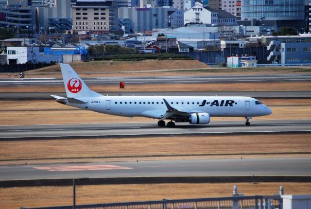 リュウキさんが、伊丹空港で撮影したジェイ・エア ERJ-190-100(ERJ-190STD)の航空フォト(飛行機 写真・画像)
