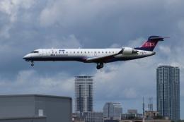 つっさんさんが、伊丹空港で撮影したアイベックスエアラインズ CL-600-2C10 Regional Jet CRJ-702の航空フォト(飛行機 写真・画像)