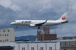 つっさんさんが、伊丹空港で撮影したジェイ・エア ERJ-190-100(ERJ-190STD)の航空フォト(飛行機 写真・画像)