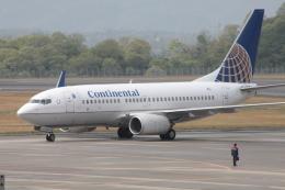 kahluamilkさんが、広島空港で撮影したコンチネンタル航空 737-724の航空フォト(飛行機 写真・画像)