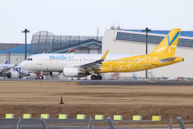 kahluamilkさんが、成田国際空港で撮影したバニラエア A320-214の航空フォト(飛行機 写真・画像)