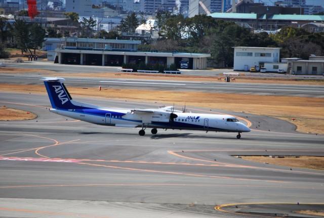 リュウキさんが、伊丹空港で撮影したANAウイングス DHC-8-402Q Dash 8の航空フォト(飛行機 写真・画像)