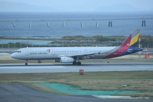 kumagorouさんが、那覇空港で撮影したアシアナ航空 A321-231の航空フォト(飛行機 写真・画像)