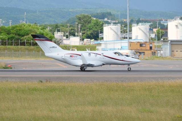 E-75さんが、函館空港で撮影した朝日航洋 HA-420の航空フォト(飛行機 写真・画像)