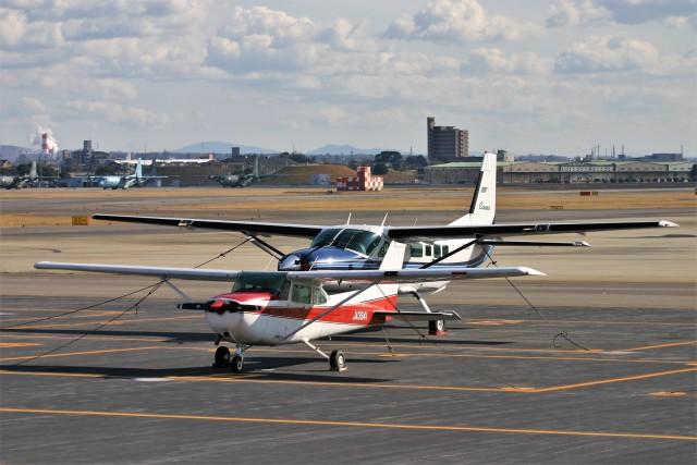 TADY BEARさんが、名古屋飛行場で撮影した富士航空 172P Skyhawkの航空フォト(飛行機 写真・画像)
