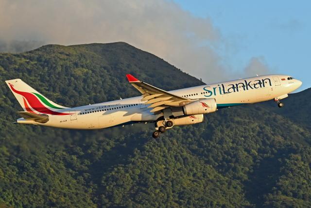 Souma2005さんが、香港国際空港で撮影したスリランカ航空 A330-343Eの航空フォト(飛行機 写真・画像)