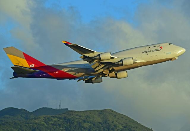 Souma2005さんが、香港国際空港で撮影したアシアナ航空 747-48EM(BDSF)の航空フォト(飛行機 写真・画像)