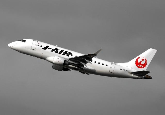 LOTUSさんが、伊丹空港で撮影したジェイ・エア ERJ-170-100 (ERJ-170STD)の航空フォト(飛行機 写真・画像)