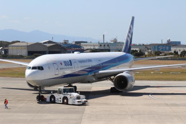 シーマさんが、松山空港で撮影した全日空 777-381の航空フォト(飛行機 写真・画像)