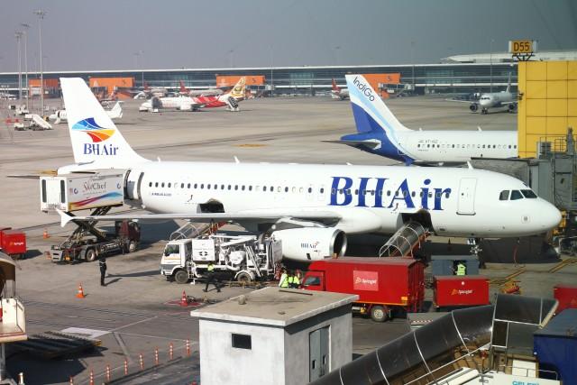 BTYUTAさんが、インディラ・ガンディー国際空港で撮影したバルカンホリデイズ A320-232の航空フォト(飛行機 写真・画像)