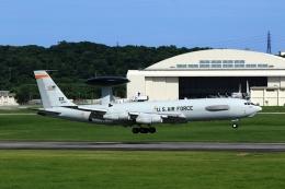 まったり屋さんが、嘉手納飛行場で撮影したアメリカ空軍 E-3B Sentry (707-300)の航空フォト(飛行機 写真・画像)
