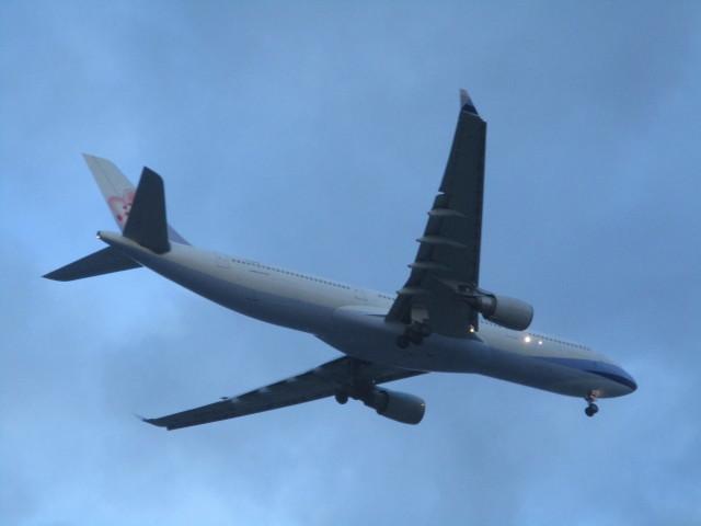 commet7575さんが、福岡空港で撮影したチャイナエアライン A330-302の航空フォト(飛行機 写真・画像)