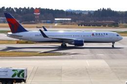 Tomo_mczさんが、成田国際空港で撮影したデルタ航空 767-332/ERの航空フォト(飛行機 写真・画像)