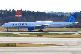 Tomo_mczさんが、成田国際空港で撮影したユナイテッド航空 777-322/ERの航空フォト(飛行機 写真・画像)