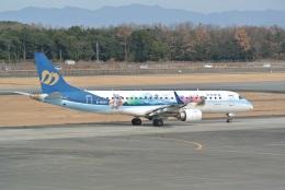 bachi51さんが、熊本空港で撮影したマンダリン航空 ERJ-190-100 IGW (ERJ-190AR)の航空フォト(飛行機 写真・画像)