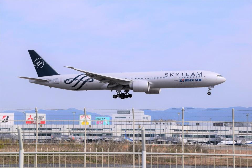 bachi51さんの大韓航空 Boeing 777-300 (HL7783) 航空フォト